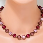Glass pearls burgundy red/brown necklace